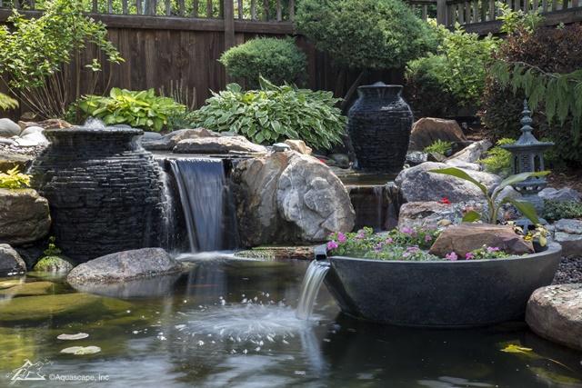Dallas pond fountain